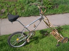 The Cutting Edge:  Bicycle Lawn-mowing: TreeHugger ... What a variety of bike/mowers on this site. So enviro friendly!