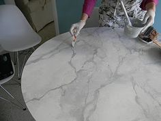 AWESOME!!! Tutorial on how to faux a  marble look on your tables, or COUNTERS!!!!
