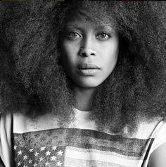 MODE: Erykah Badu égérie de Givenchy