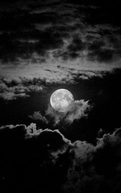 can't sleep when there is moon in the sky