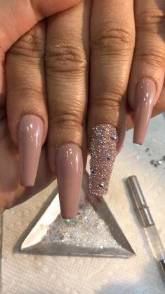 Gold Acrylic Nails, Silver Nails, Glam Nails, Rhinestone Nails, Rose Gold Glitter Nails, Coffin Nails Glitter, Blush Pink Nails, Nagellack Design, Nail Jewels