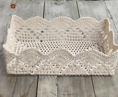 Crochet Lace Bag Christmas Gifts Ideas For 2019 Crochet Baby Bibs, Crochet Box, Vintage Crochet, Crochet Crafts, Crochet Projects, Knit Crochet, Diy Crafts, Crochet Stitches, Crochet Patterns