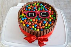 Le gâteau Kit Kat pour une fête d'anniversaire réussie