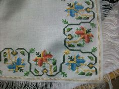 This Pin was discovered by Nur Easy Cross Stitch Patterns, Simple Cross Stitch, Cross Stitch Borders, Cross Stitching, Cross Stitch Embroidery, Palestinian Embroidery, Bargello, Needlepoint, Needlework