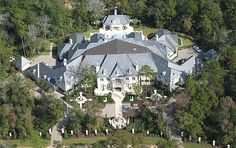 In the continuing trend of real estate industry in the United States, another high-end mansion in Houston, Texas is on the market for sale. Located in the Grand Regency Circle in the Houston, The DanMar Manor is the incidentally the most expensive family