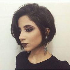 Short bob hairstyles are cute, chic and really stylish! So in this gallery we have collected Pretty Short Bob Hairstyles of 2016 that can inspire you to go. Short Curly Haircuts, Short Hairstyles For Thick Hair, Haircut For Thick Hair, Short Hairstyles For Women, Short Hair Cuts, Short Hair Styles, Pixie Haircuts, Pixie Cuts, Hairstyles Bangs