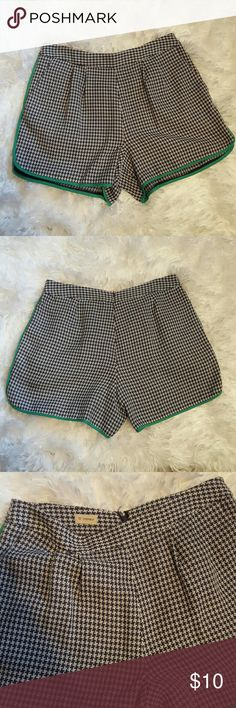 Shorts Cute shorts size 6 100% Polyester Shorts
