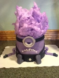 My son's purple minion cake.