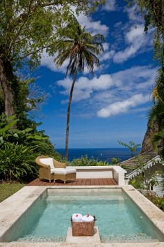 Pool with ocean view - St Lucia