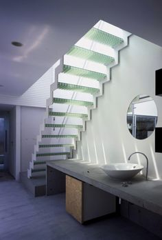 House with Court / K S architecture masterpiece environments Interior Stairs, Interior Exterior, Architecture Design, Installation Architecture, Building Architecture, Glass Stairs, Wood Stairs, Escalier Design, Stair Detail