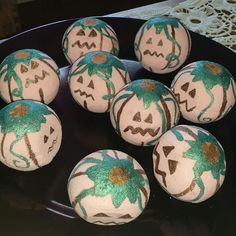 🎃 Freaky little bath bombs that also smell of pumpkin apple butter and of course are also part of our Autumn… Bath Tube, Apple Butter, Halloween Pumpkins, Bath Bombs, Easter Eggs, Autumn, Instagram, Standing Bath, Bathtub