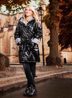 Ösregn Womens Shiny Raincoat | Walk The Storm