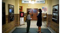 Michelle Obama è nella foto più politica degli ultimi 60 anni http://www.sapereweb.it/michelle-obama-e-nella-foto-piu-politica-degli-ultimi-60-anni/  Lo scatto risale a un mese fa, 16 maggio, giorno cui Michelle Obama, First Lady degli Stati Uniti era in visita ufficiale al Brown v. Board of Education National Historic Site di Topeka, in Kansas. Il museo ricorda una storica sentenza della Corte Suprema degli Stati Uniti del 1954 che dichiara...