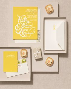 The font on this yellow-and-white suite was inspired by fairytale script