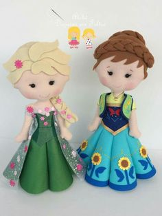 These frozen feltie dresses! Frozen Felt, Frozen Party, Frozen Birthday, Felt Patterns, Stuffed Toys Patterns, Frozen Dolls, Disney Dolls, New Dolls, Disney Scrapbook