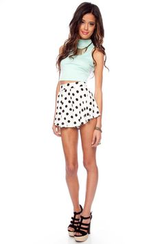 {Audrey 3+1. Play Flare Shorts}