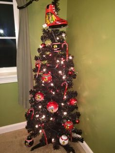 Check out this #Blackhawks Christmas tree that one of our fans decorated!