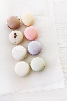macarons in pastel