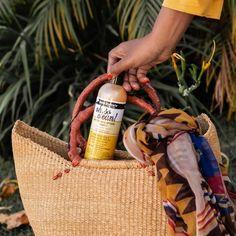 """Zulufița Shop shared a photo on Instagram: """"Șamponul Aunt Jackie este îmbogățit cu ulei de nucă de cocos, unt de karité și ulei de măsline…"""" • See 408 photos and videos on their profile. Unt, Straw Bag, Instagram"""