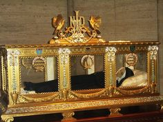 Why do Catholics keep saint's bones, hair, clothes or even their blood in gold shiny boxes? Didn't God condemn idolatry? While many (both Protestants and Catholics alike) are often confused by the …