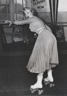 Just photos, No talk (Posts tagged marilyn monroe) Hollywood Photo, Hollywood Actor, Vintage Hollywood, Hollywood Stars, Hollywood Actresses, Classic Hollywood, Rare Marilyn Monroe, Marilyn Monroe Photos, Marilyn Moroe