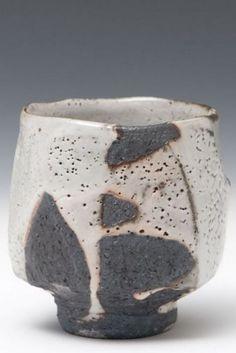 Pottery Pots, Raku Pottery, Pottery Sculpture, Japanese Ceramics, Japanese Pottery, Ceramic Cups, Ceramic Art, Wheel Thrown Pottery, Tea Bowls