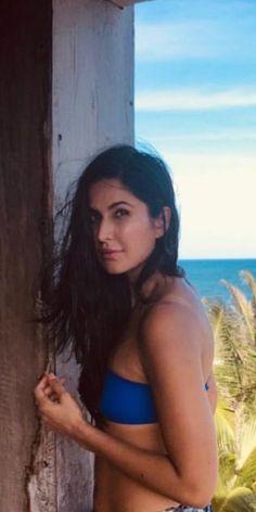 Katrina laid in near to beach Bollywood Celebrities, Bollywood Fashion, Bollywood Actress, Beautiful Indian Actress, Beautiful Actresses, Katrina Bikini, Katrina Kaif Wallpapers, Alia Bhatt Photoshoot, Katrina Kaif Hot Pics