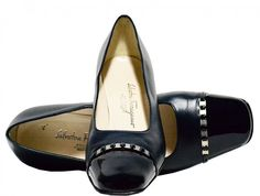 "Salvatore Ferragamo - Leather ""Guendy"" Pumps - Navy - Size 9 C US / Wide Width"