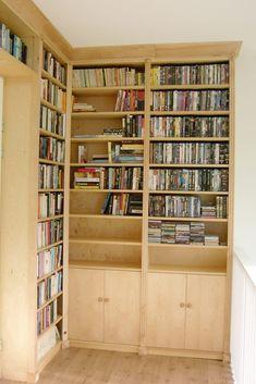 Boekenkast wandvullend in een hoek - Meubelmakerij Kruizinga Bookcase, Shelves, Doors, Home Decor, Shelving, Decoration Home, Room Decor, Book Shelves, Shelving Units