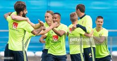 ニュース写真 : Sweden's national football team players attend a...