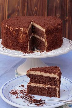 Cafe au lait chocolate cake by Bea Roque Fudge Cake, Brownie Cake, Pie Cake, No Bake Cake, Sweet Recipes, Cake Recipes, Dessert Recipes, Cupcakes, Cupcake Cakes