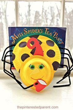 Paper Plate Kid's Craft inspired by Miss Spider's Tea Party Manners Preschool, Preschool Bug Theme, Preschool Art Projects, Kindergarten Themes, Preschool Activities, Crafts For Kids, Homeschool Kindergarten, School Projects, Homeschooling
