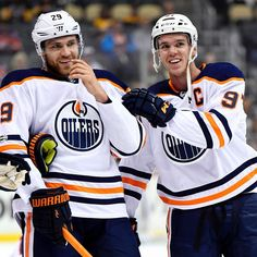 hi just to let you all know i am alive on this account i am just not active because hockey hasnt started yet and Im so bored oh my gosh. anyways whos watching the NHL awards tonight? Nhl Awards, National Best Friend Day, Connor Mcdavid, Nhl Players, Edmonton Oilers, Ice Hockey, Beautiful Moments, Friends In Love, Cute Guys
