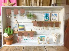 Ideas for jewerly stand display market stalls Market Stall Display, Market Stalls, Jewellery Storage, Jewellery Display, Jewelry Booth, Diy Jewellery, Diy Necklace Stand, Necklace Holder, Jewelry Holder