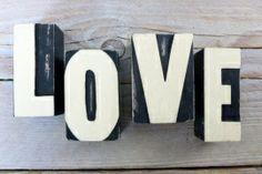 Letterblokken LOVE www.villavica.nl