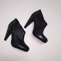Steven Madden Ankle Booties Leather ankle booties..super cute! Steven by Steve Madden Shoes Ankle Boots & Booties