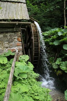 Water Wheels / Water Mills / Grist Mill