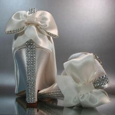 www.weddbook.com everything about wedding ♥ Beautiful Wedding Shoes  #weddbook #wedding #shoes #fashion