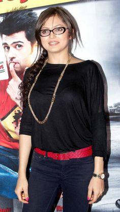 Drashti Dhami at the premiere of 'Mickey Virus'. #Bollywood #Fashion #Style #Beauty