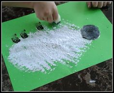 Sponge painting sheep. An ideal Chinese New Year 2015 craft for toddlers and preschoolers.
