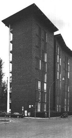 Ignazio Gardella Facade Architecture, Contemporary Architecture, Bauhaus, Building Exterior, Postmodernism, Art Deco, Landscape, Facades, Towers