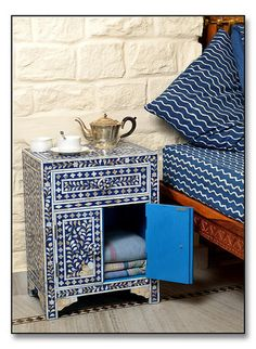 Blue Mother of Pearl #Inlay #Bedside #Chesthttp://www.irisfurnishing.com/Mother-of-Pearl-Inlay-Furniture-s/1514.htm