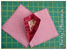 Origami Candle Mat Instructions - Page 2 Quilting Tutorials, Quilting Projects, Quilting Designs, Sewing Projects, Origami Candle Mat, Deco Table Noel, Fabric Origami, Fabric Wreath, Quilted Table Runners