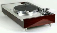 Luxman PD444 with Micro Seiki MA505 in wooden Paduk consolle!