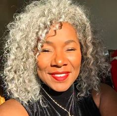 Riddle me this. If gray-haired men are called silver foxes, what does that make gray-haired women? These Stunning Women Are Shutting Down A Ridiculous Beauty Double Standard Natural Hair Short Cuts, Natural Hair Updo, Natural Hair Styles, Hair Color Balayage, Ombre Hair, Silver Grey Hair, Gray Hair, Black Hair, White Hair
