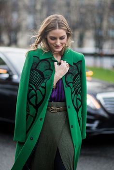 Paris Fashion Week fall 2017 is finally here, and we have all the best street style moments for you ✨ 🌸 🌹 ᘡℓvᘠ❤ﻸ Plaid Fashion, Green Fashion, Winter Fashion, Fashion Outfits, Fashion Heels, Look Olivia Palermo, Estilo Olivia Palermo, Fashion Mode, Moda Fashion