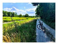 #biking #radfahren #nature Biking, Country Roads, Nature, Bicycling, Naturaleza, Motorcycles, Cycling, Nature Illustration, Outdoors