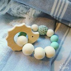 Hochet de dentition bébé en bois et perles silicone★ hérisson vert menthe