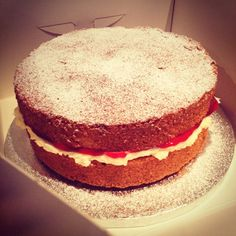 Victoria Sponge Victoria Sponge, Homemade Cakes, Desserts, Food, Tailgate Desserts, Deserts, Eten, Postres, Dessert