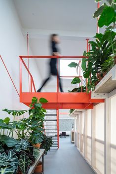 Contemporary Architecture, Interior Architecture, Open Office, Brick And Mortar, Interior Stairs, Interior Design Magazine, Office Interiors, Play Houses, Home And Living